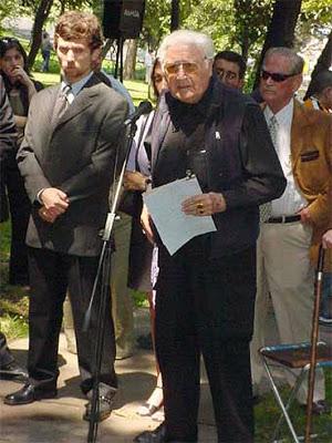 Jedno z posledních veřejných vystoupeních při vzdávání úcty Nicolásovi Palaciosovi, 2006